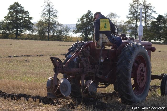 2009-10-10_091_DM_plojning
