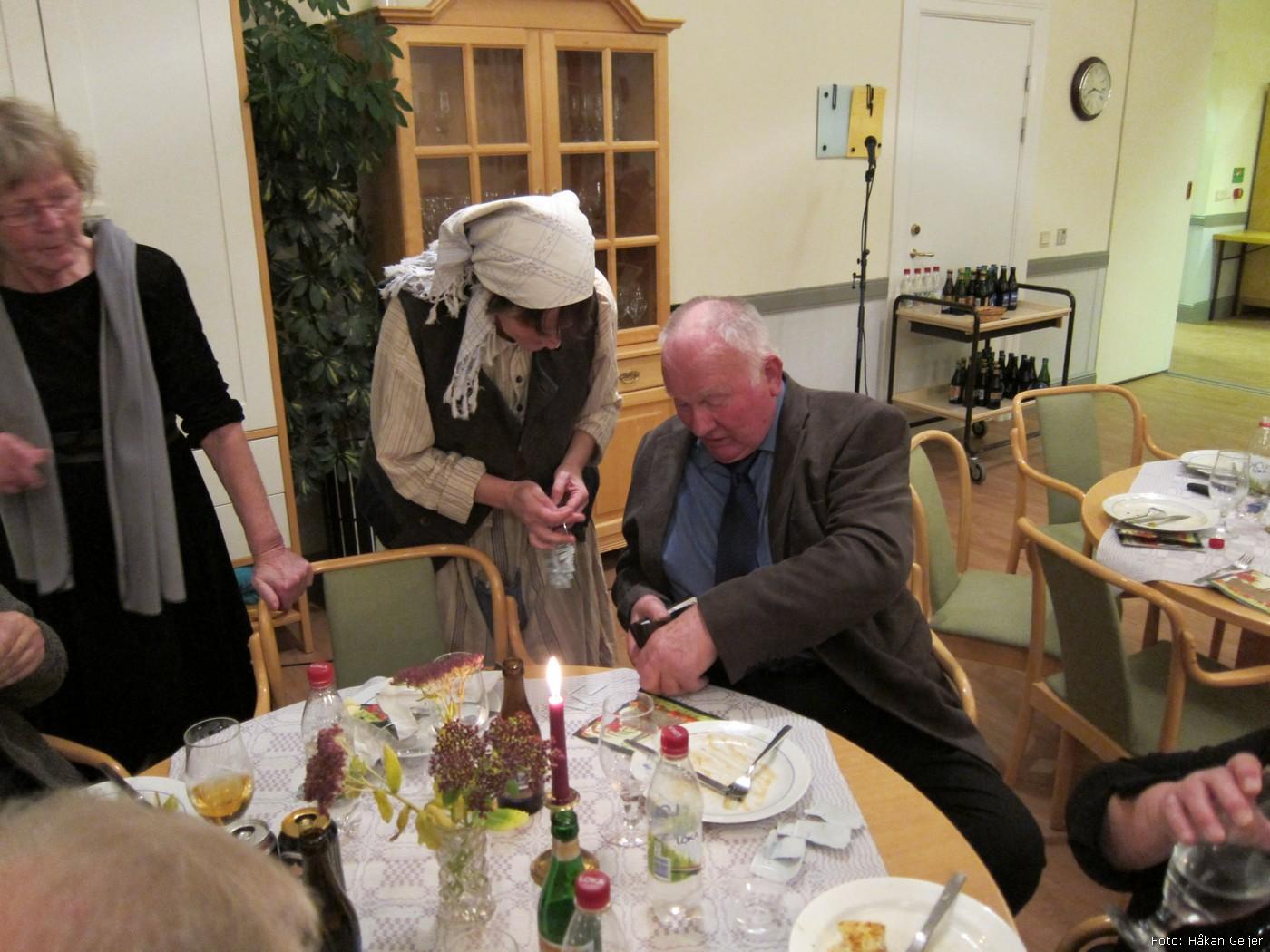 2011-11-12_08_Hostfest