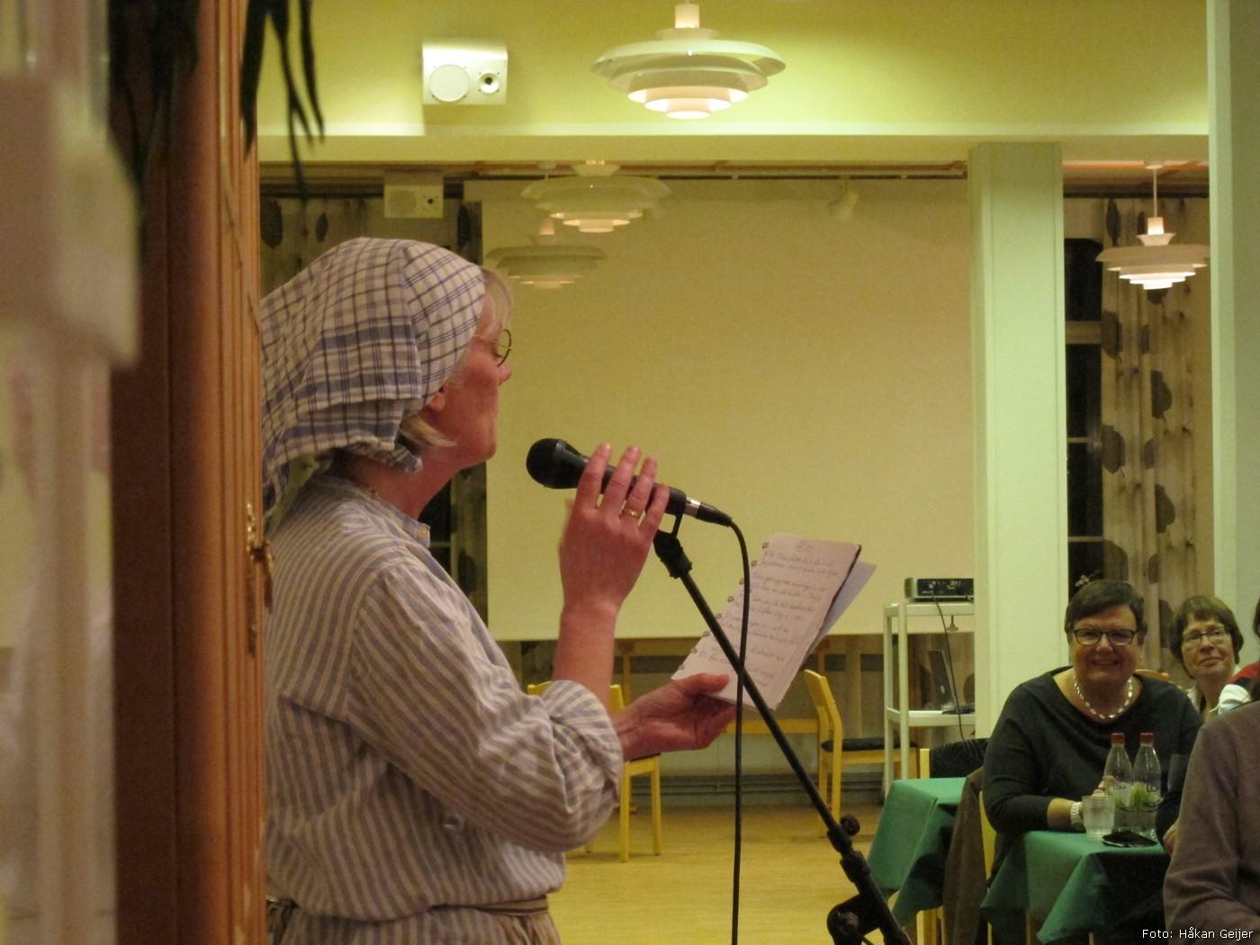 2011-11-12_17_Hostfest