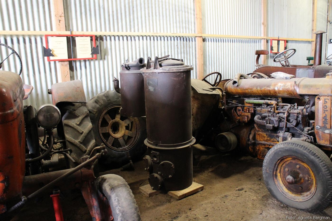 2014-05-01_03_traktorflytt