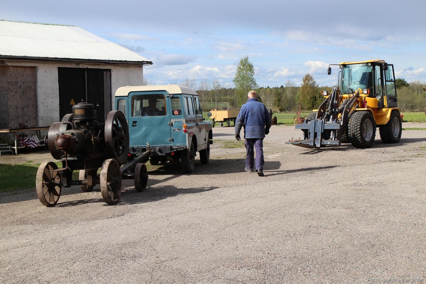 2014-05-03_029_traktorflytt