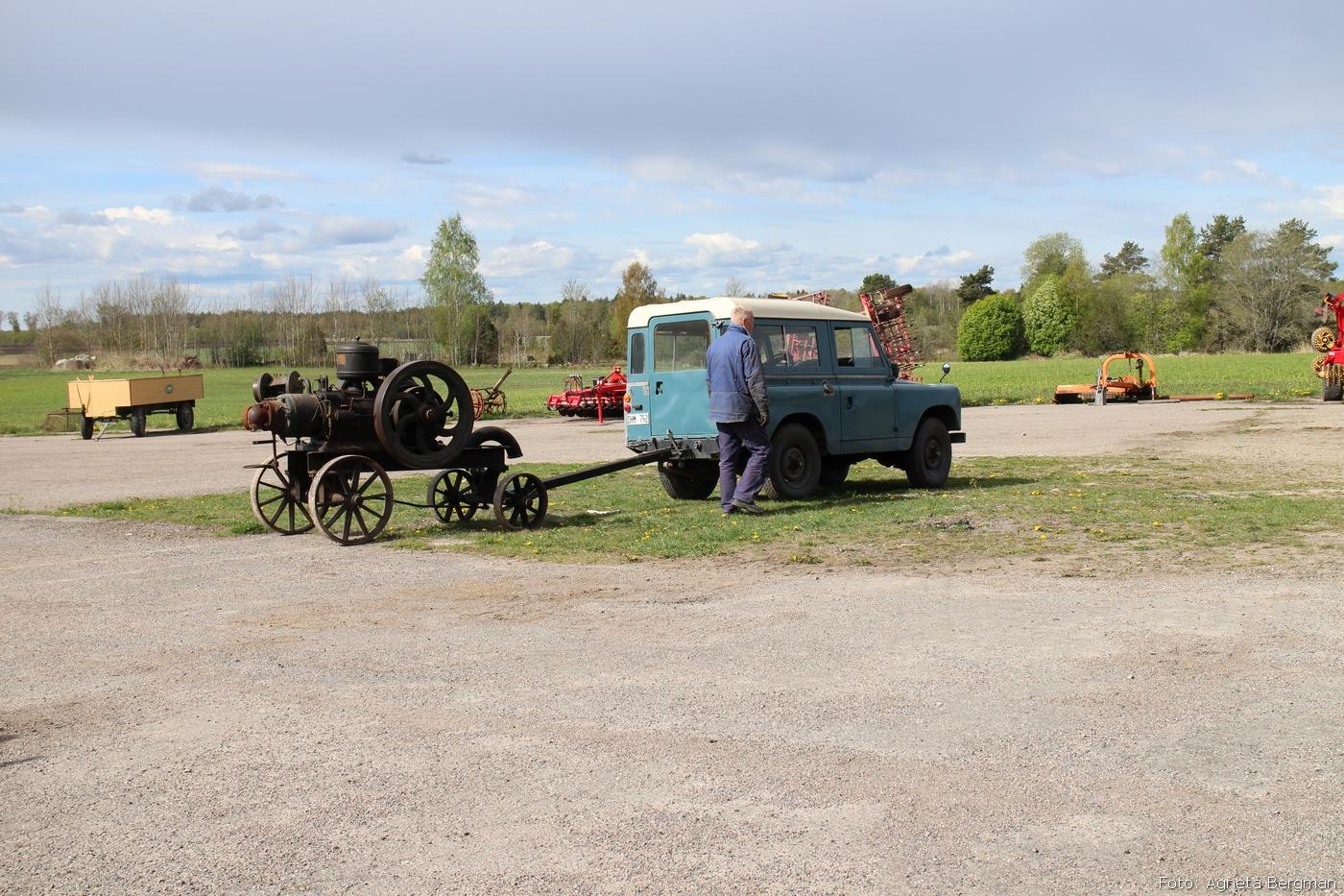 2014-05-03_031_traktorflytt