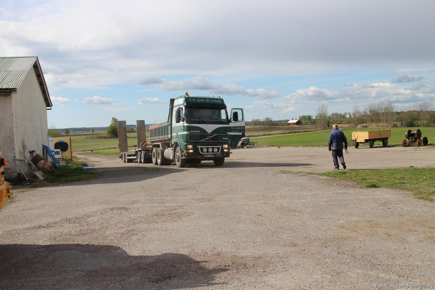 2014-05-03_033_traktorflytt