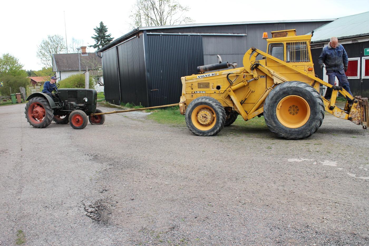 2014-05-03_056_traktorflytt