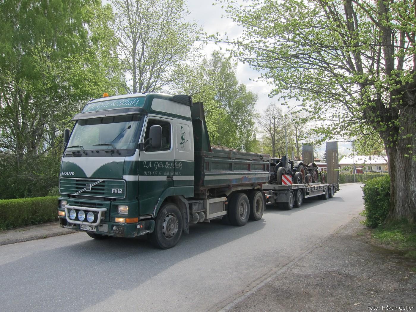 2014-05-03_067_traktorflytt