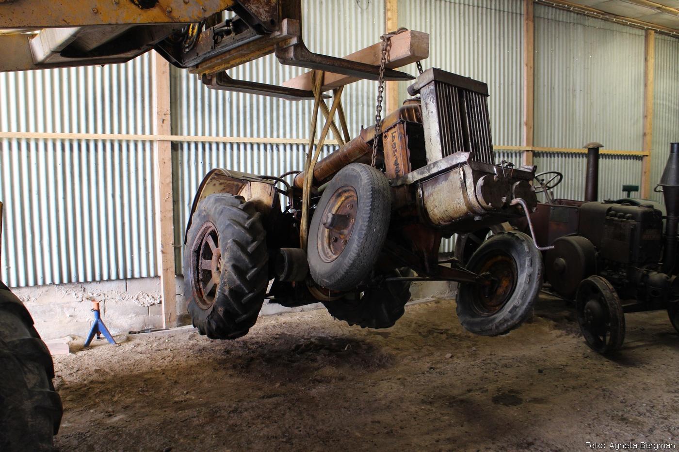 2014-05-03_074_traktorflytt