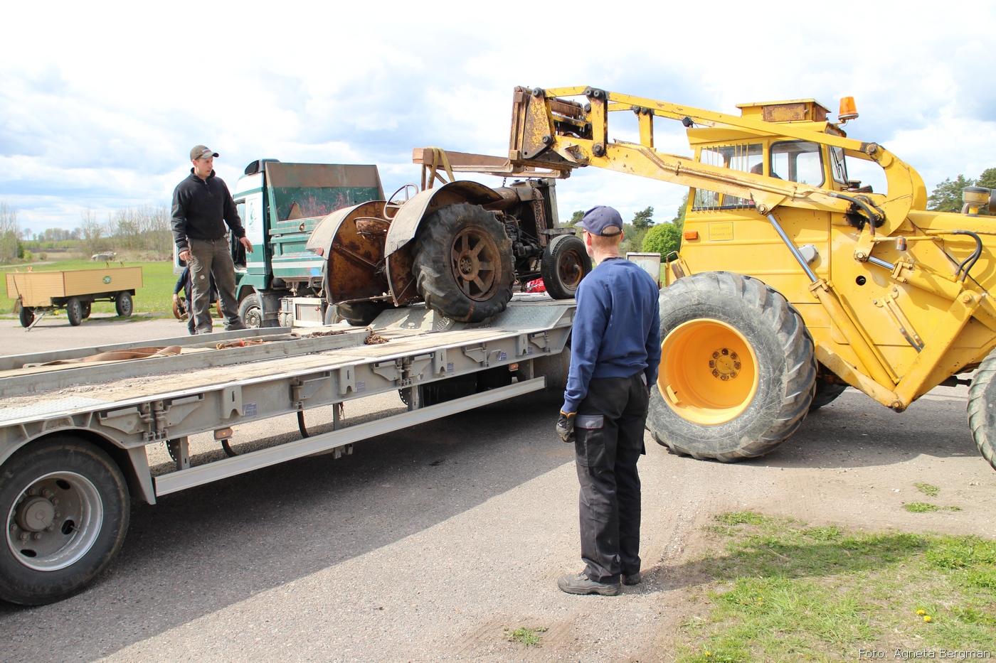2014-05-03_077_traktorflytt