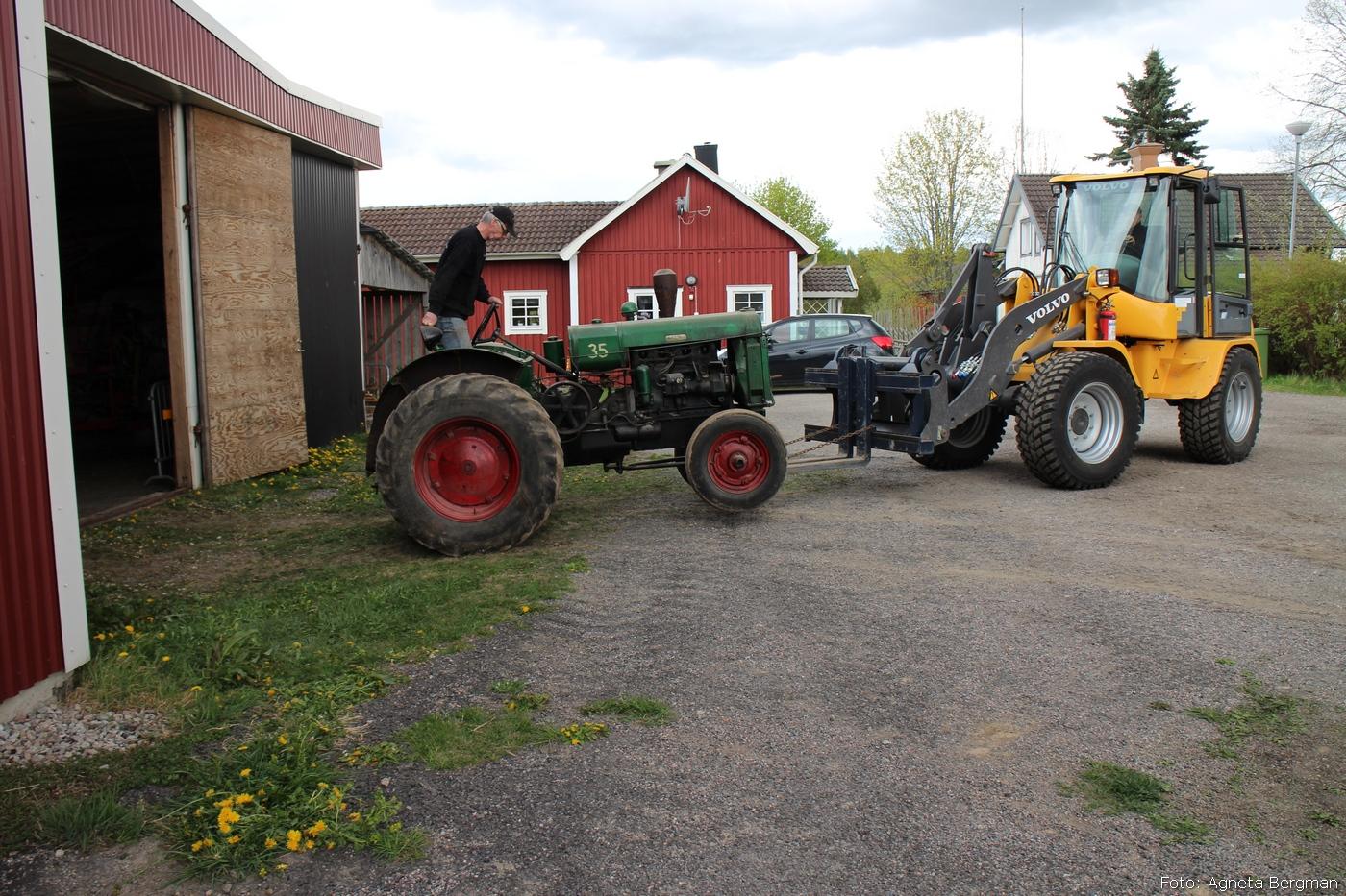 2014-05-03_085_traktorflytt